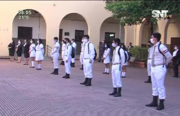 Retorno de alumnos del tercero de la media